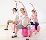 Pregnant women doing exercise